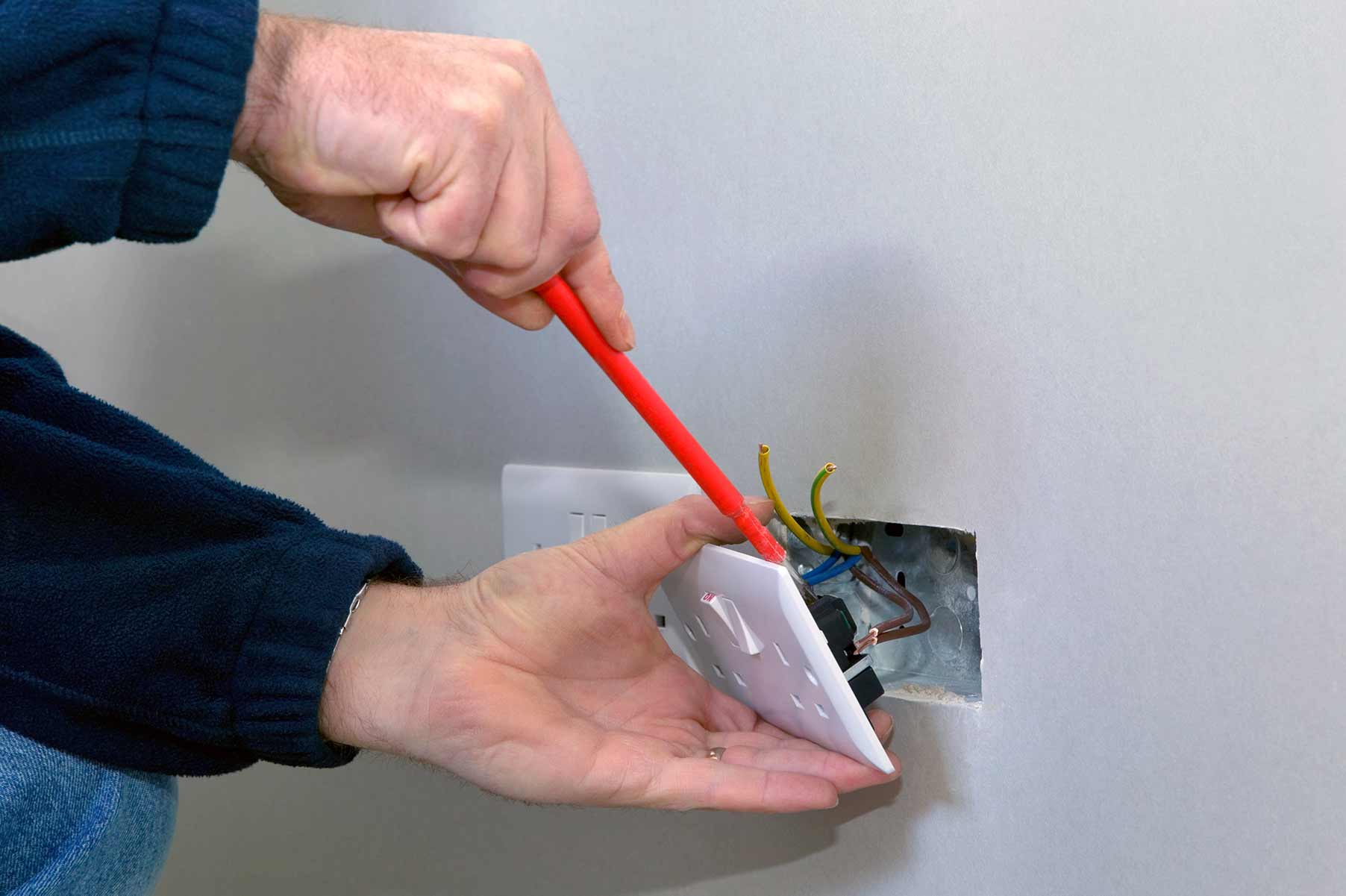 Our electricians can install plug sockets for domestic and commercial proeprties in Hanwell and the local area.